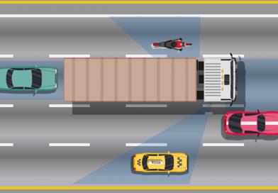 Làm gì khi gặp nhiều xe container trên đường.